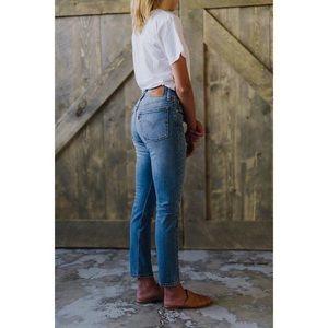"""Levi's 501"" Distressed Skinny jeans 🦋"